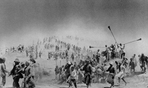 People building the Great Fergana channel, Uzbekistan 1939