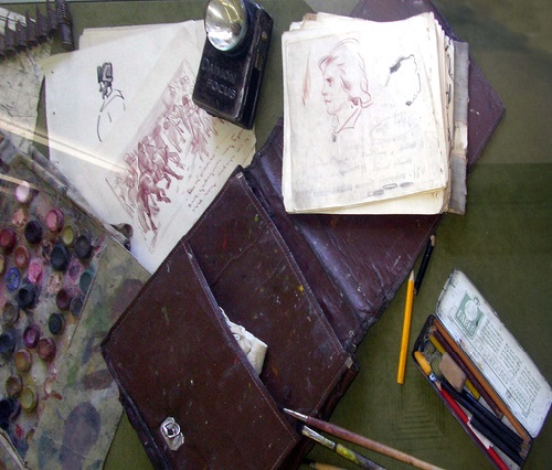 Field bag, self-made album and pencils of the artist during the WWII