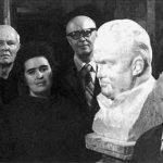 In the studio of the Soviet sculptor Zinovy Vilensky. From left to right – EV Shabarov, PA Tsybin, NS Koroleva, SS Kryukov, ZM Vilensky, BE Chertok