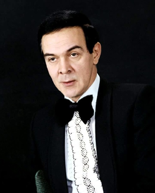 Soviet singer Muslim Magomayev (August 17, 1942 Baku – October 25, 2008 Moscow)