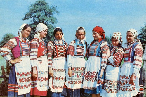 Belorussian women in traditional clothes