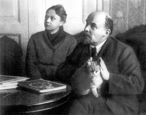 Lenin and Krupskaya with a cat, 1920