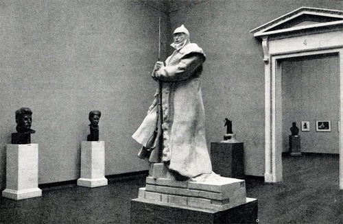 Hall of exhibitions of works of Soviet sculptor Leonid Shervud in the Russian Museum in 1952