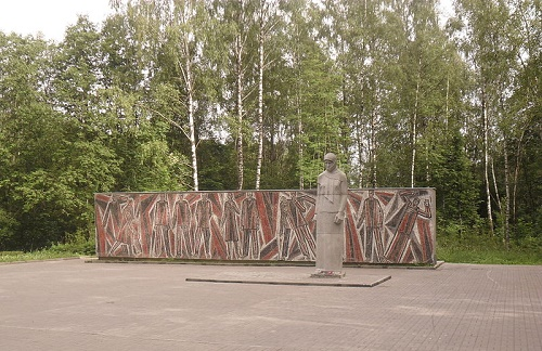 Monument to a grieving mother in Smolensk