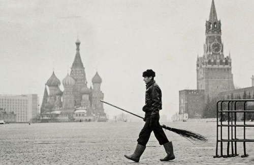 Photo by Soviet photographer Gennady Bodrov (May 17, 1957 - February 14, 1999)