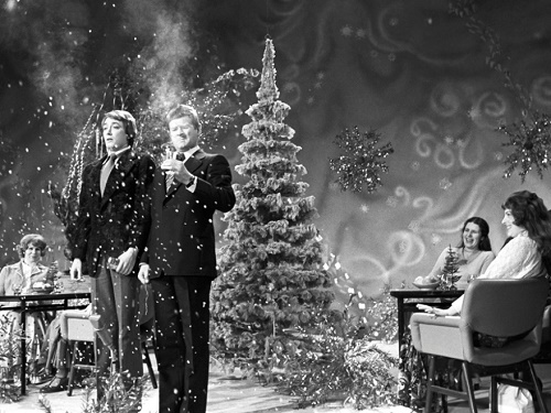 Blue Light, New Year TV show, first channel, 1976. On the stage - singer Lev Leshchenko and actor Igor Starygin