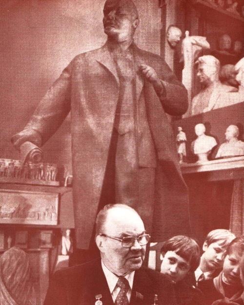 Sculptor Nikolay Tomsky