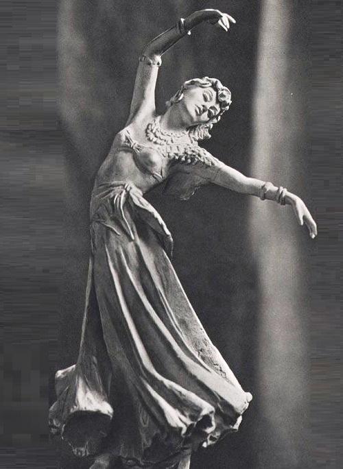 Esmeralda (Gina Lollobrigida) dance