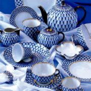 The famous geometric pattern of the Leningrad porcelain is a symbol of remembrance of the heroic feat of the blockade of Leningrad