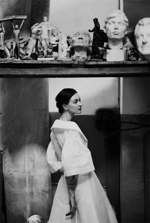 Granddaughter of sculptor - Daniela Rybicheva, Russian artist (in his workshop)