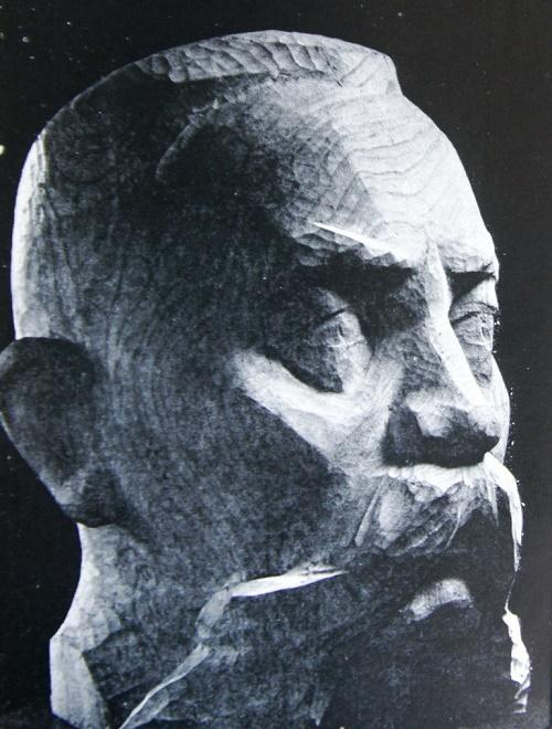 O. Gorodovikov. Wood. 1963