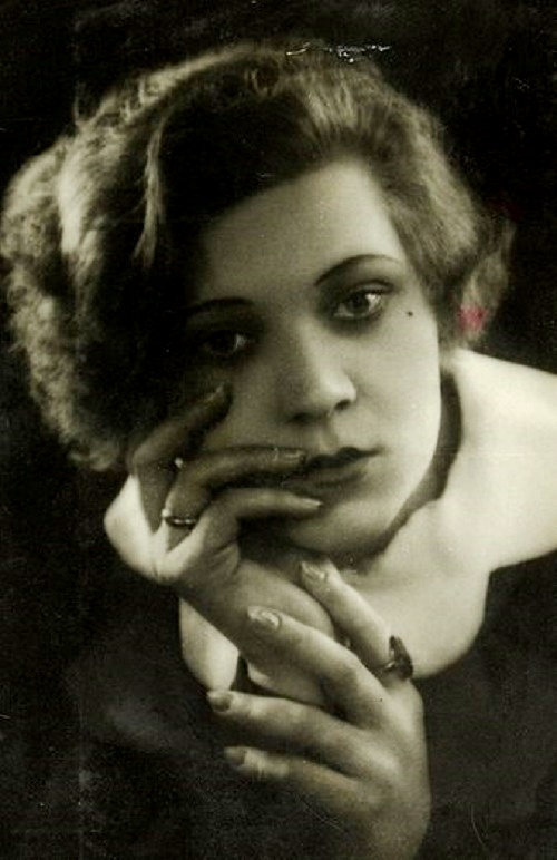 Soviet female singer Klavdiya Shulzhenko (March 24, 1906 – June 17, 1984)