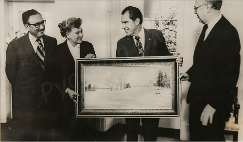 US president Richard Nikson with the painting Winter Day by Boris Shcherbakov