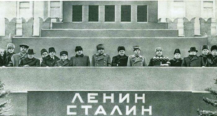 The funeral of Joseph Vissarionovich Stalin. On the podium of the Mausoleum - G. Gheorghiu-Dej, Boleslav Berut, Pak Den Ai, Walter Ulbricht, Dolores Ibarruri, Otto Grotewohl, Valko Cervenkov, Matthias Rakosi, Pietro Nenni, Palmiro Togliatti, Jacques Duclos, Clement Gottwald. NA Bulganin, VM Molotov, KE Voroshilov, GM Malenkov, NS Khrushchev, LP Beria, M. 3. Saburov, Chou En-lai, MG Pervukhin, LM Kaganovich, NM Shvernik, AI Mikoyan