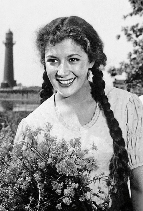 Soviet theater and film actress Kyunna Ignatova (26 September 1935 - 21 February 1988)