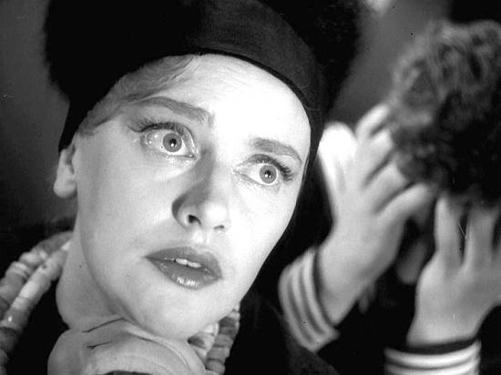 713th asks for landing. Famous Soviet episode actress Nina Agapova