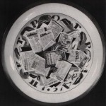 Dish depicting Petrograd newspapers. 1921. Artist ZV Kobyletskaya