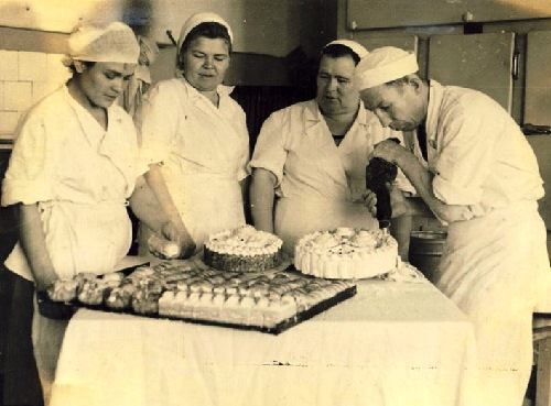 Making a cake at Bolshevik factory, Moscow, USSR