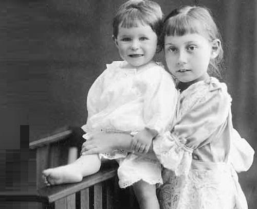 As a child, Olga Lepeshinskaya (right)
