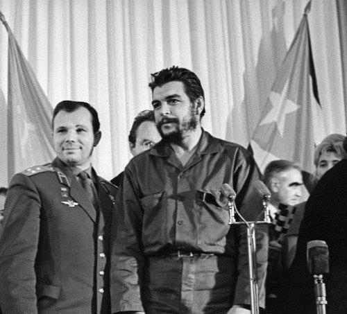 Yuri Gagarin and Ernesto Che Guevara 1964