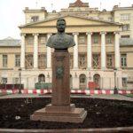 Monument to Frunze, 1959. Sculptor Zalman Moiseevich Vilensky