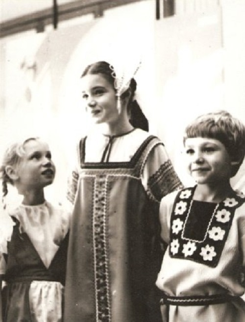 Samantha Smith visiting Soviet Union. in traditional Russian folk dress during her visit to the Soviet Union in 1983