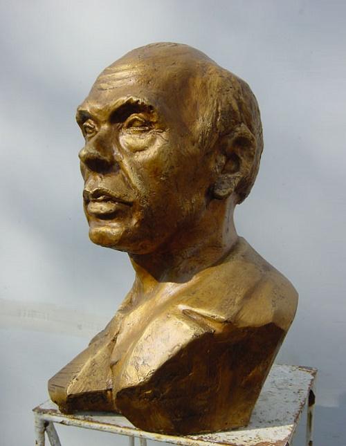 Soviet sculptor Pavel Turayev