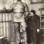 Zair Isaakovich Azgur (1908-1995) in his workshop