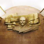 Soviet sculptor Anatoly Kusch