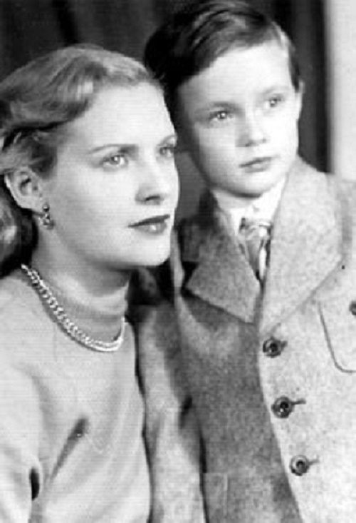 Valentina Yashina with her son