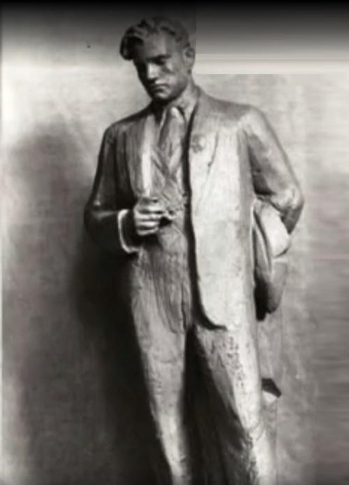 Vladimir Mayakovsky, sculpture by Nikita-Gleb Lavinsky