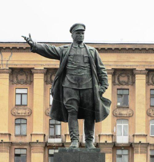 Leningrad monument to Kirov. Bronze, granite. 1935 - 1938
