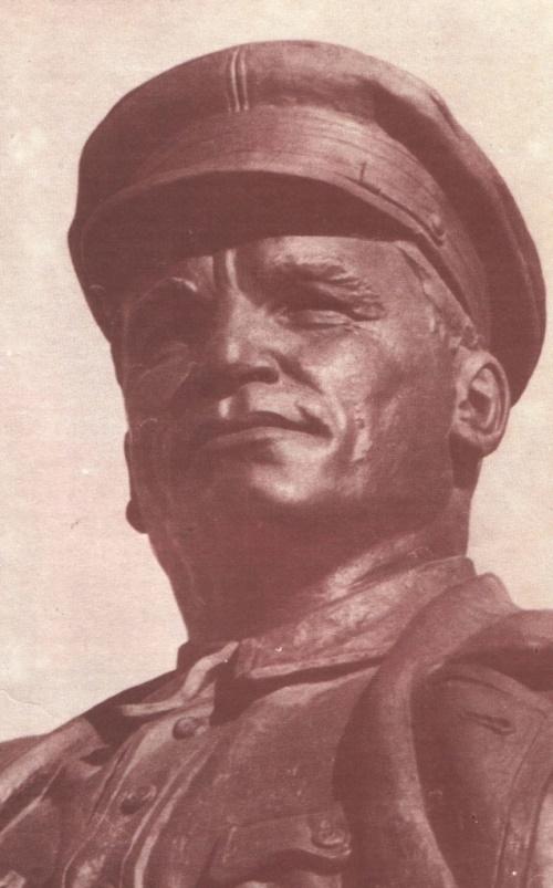 SM Kirov in Leningrad. Fragment. Bronze. 1938