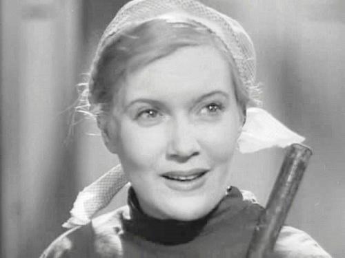 Famous Soviet actress Lyubov Orlova as Dusya Vinogradova, Shining Path, 1940 film