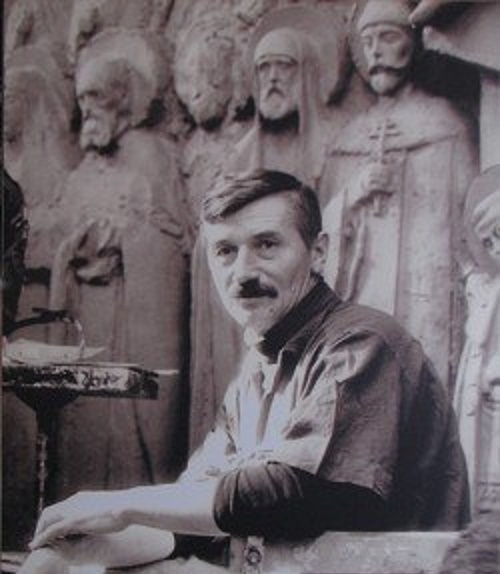 Great Russian sculptor Vyacheslav Klykov