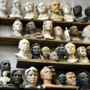 In the workshop of sculptor V. Sychev