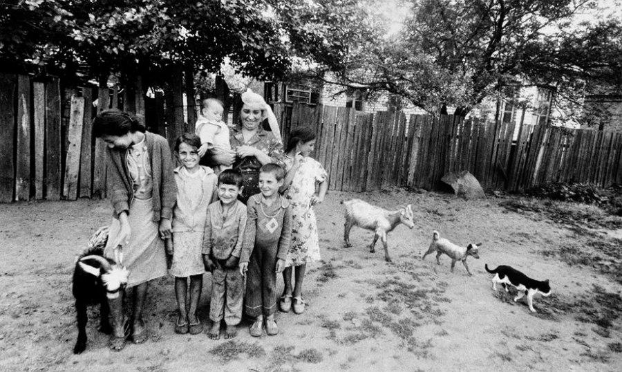 Gypsy idyll. 1986