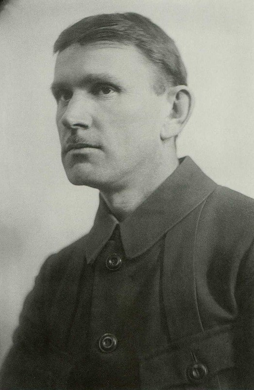 Soviet artist Sergey Vasilievich Gerasimov (1885–1964). 1921. Photo Robert Johanson