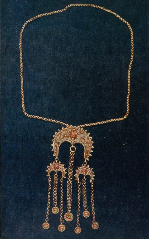 Necklace 'Zhatta'. Grain, twisted wire. 1964