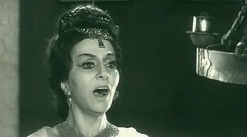 Singing Zara Dolukhanova
