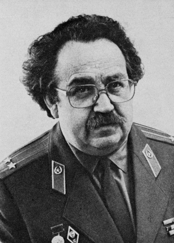 Soviet artist Victor Konstantinovich Dmitrievsky (1923-2006)