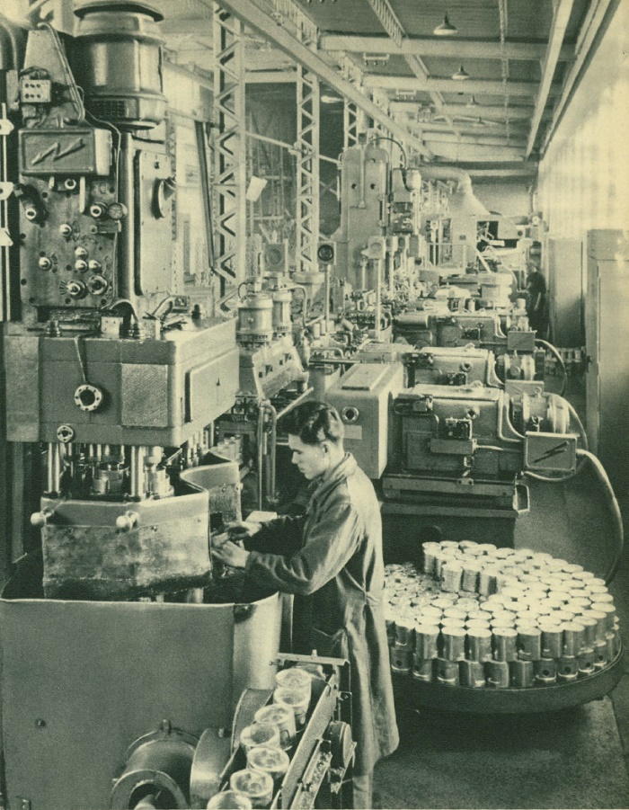 Automatic line at the plant-automaton, producing pistons for automobile engines