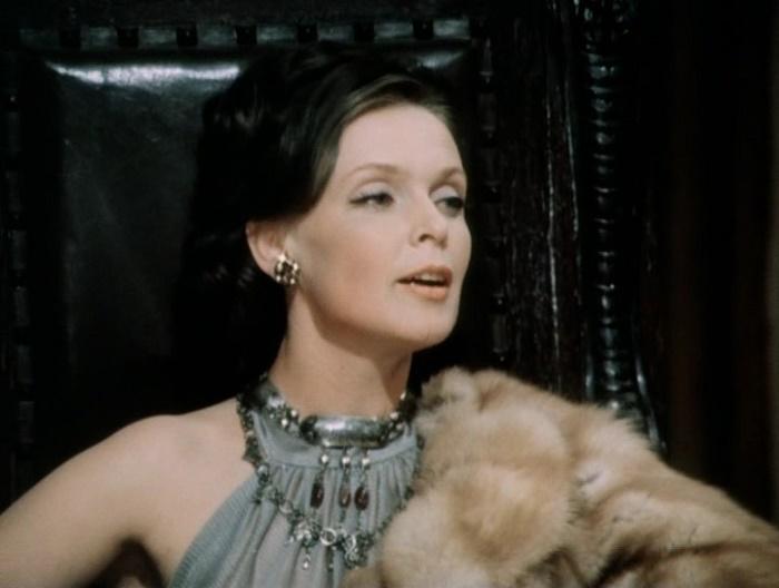 Still from the Soviet film 'Purely English Murder' (1974)