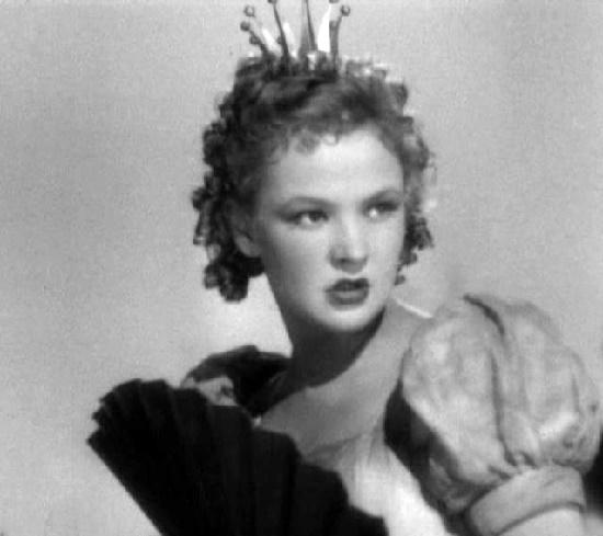 Soviet Russian actress Vera Altaiskaya