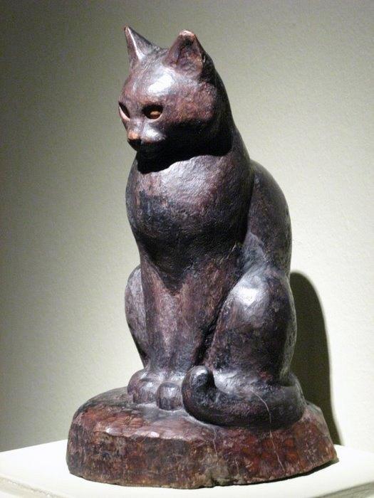 Cat's sculpture