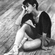 E. Maksimova listens to K. Goleizovsky
