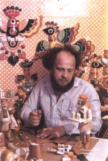In the workshop. Soviet wood artist Valery Vasilievich Zhigaltsev