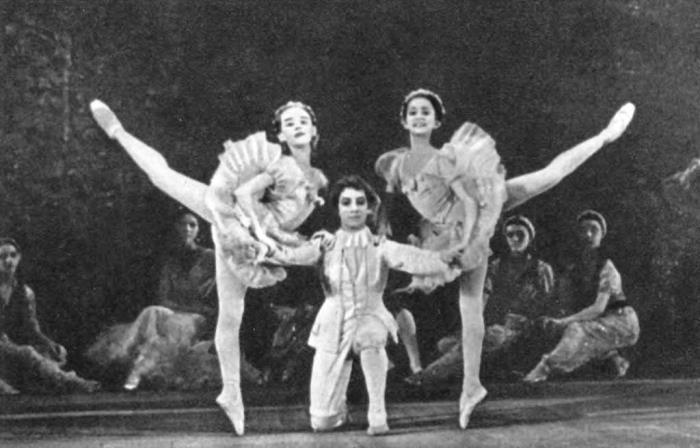'Nutcracker'. Pas de Trois performed by students of the Moscow School N. Bessmertnova, T. Rusova and N. Tagunov