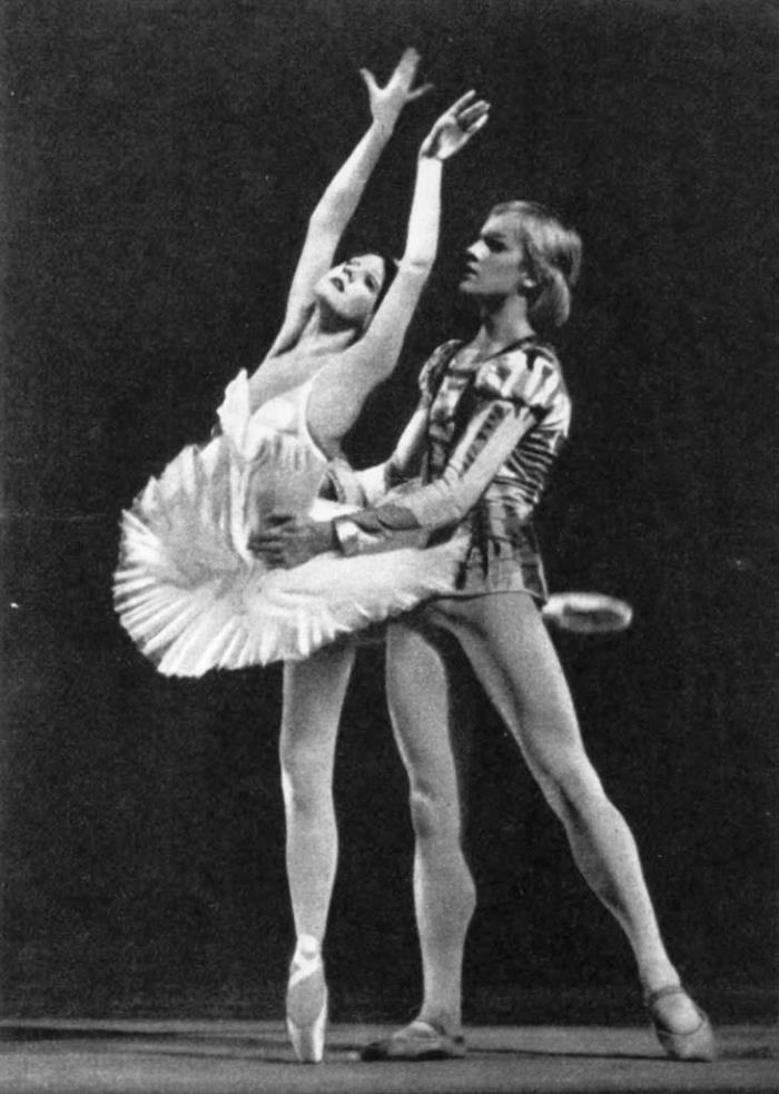 Odette - T. Golikova. Prince - A. Godunov. Swan Lake