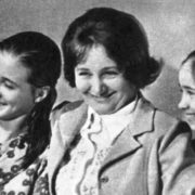 The teacher of the Perm school L. Sakharova with her students N. Pavlova and O. Chenchikova - laureates of the II International Ballet Competition